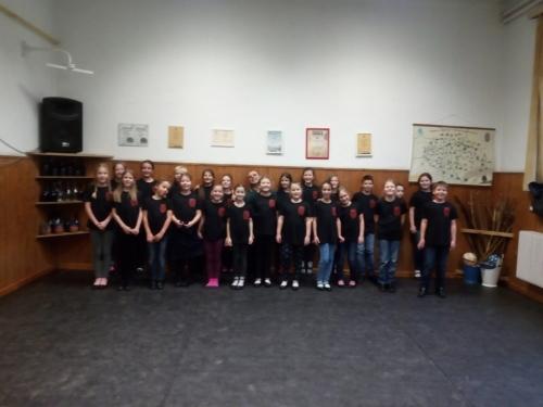Elkészültek a Nádorvárosi Népművészeti Egyesület pólói is a Nemzeti Együttműködési Alap - Emberi Erőforrás Támogatáskezelő támogatásával